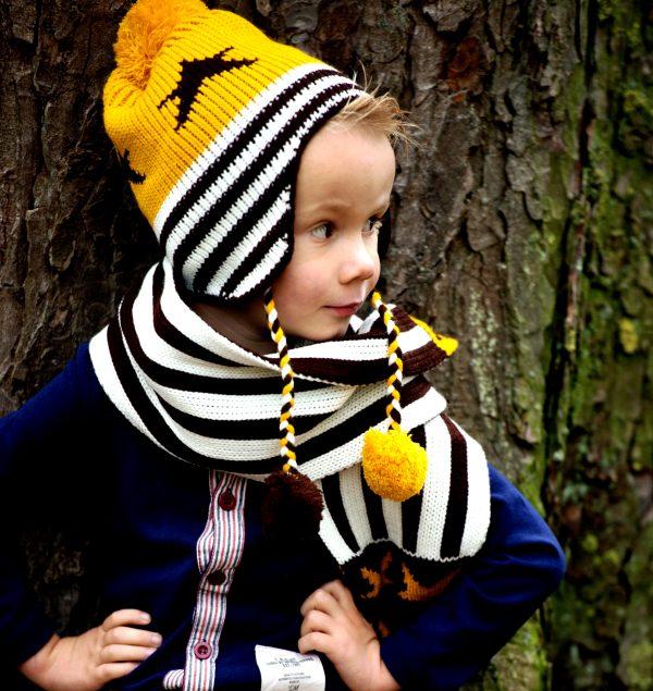Gele muts en sjaal met sterren